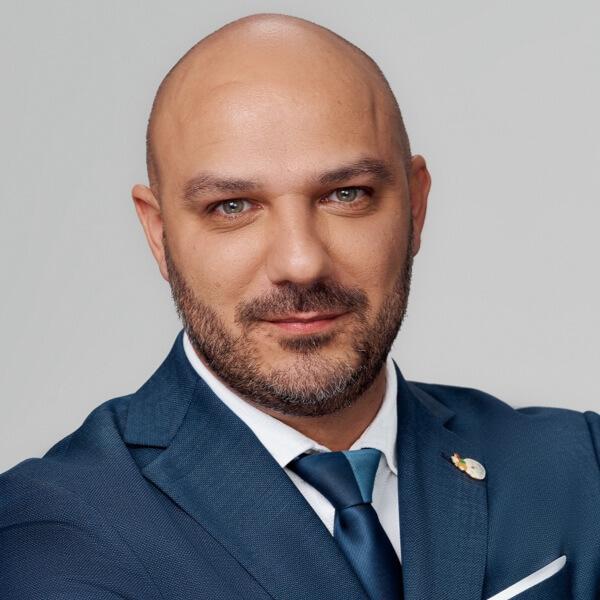 Alexander Aleksiev headshot
