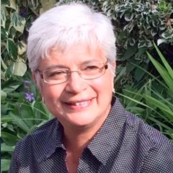 Barbara Moss headshot