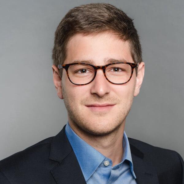 Dr. Nikolaus Gasche headshot