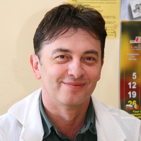 Alexey Savov headshot