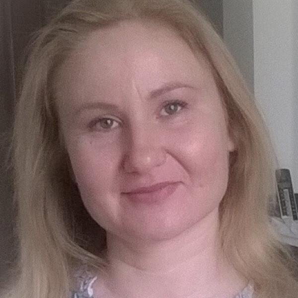 Nevyana Ivanova headshot